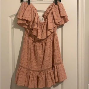 Y'all !! Beautiful pink free people dress!